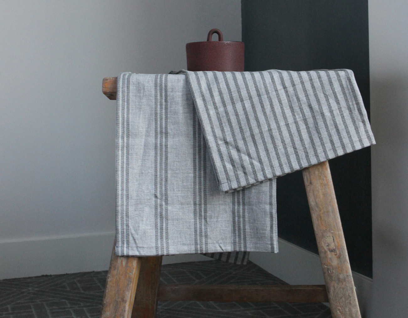 STRIPE PLACEMAT SET _GRAY